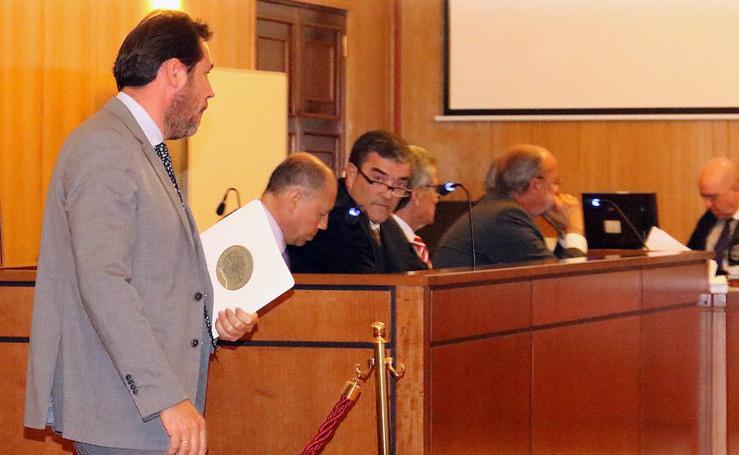 El alcalde Óscar Puente comparece como testigo en el juicio contra León de la Riva