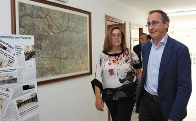 Alonso defiende a Sáenz de Santamaría en Palencia como líder del PP