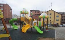 La UDEF abre una pieza separada que salpica a ayuntamientos leoneses por la instalación de parques infantiles