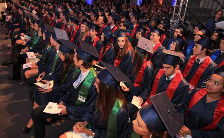 Ceremonia de graduación de Ie University