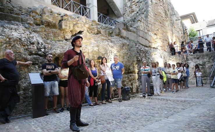 Actividades culturales en la Cueva de Salamanca, la Casa de las Conchas y la Casa Lis