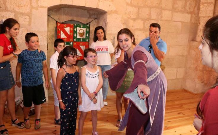 Visitas teatralizadas a Santa María La Mayor en Villamuriel