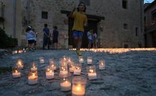 La villa medieval de Pedraza resplandece bajo la luz de 27.500 velas