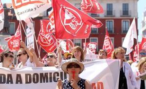 Las empleadas de ayuda a domicilio denuncian el «desinterés» de la Junta