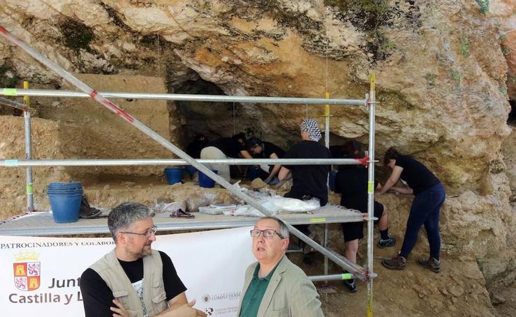 Los arqueólogos vuelven al yacimiento del Abrigo del Molino