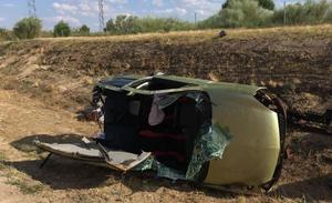 Los bomberos de la Diputación de Valladolid intervienen en un accidente junto a los de la provincia de Ávila