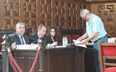 El jurado declara culpable de malversación al exalcalde de Peleas de Abajo