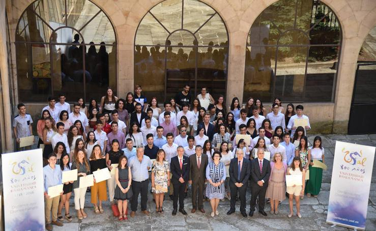 La USAL entrega los premios a las 100 mejores notas de la EBAU