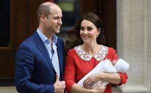 El príncipe Harry se gasta 8.000 euros en un regalo para el príncipe Luis