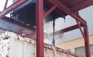 Los bomberos de la provincia intervienen en un silo de la carretera Villabáñez