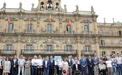 Salamanca recuerda con un emotivo minuto de silencio a Miguel Ángel Blanco