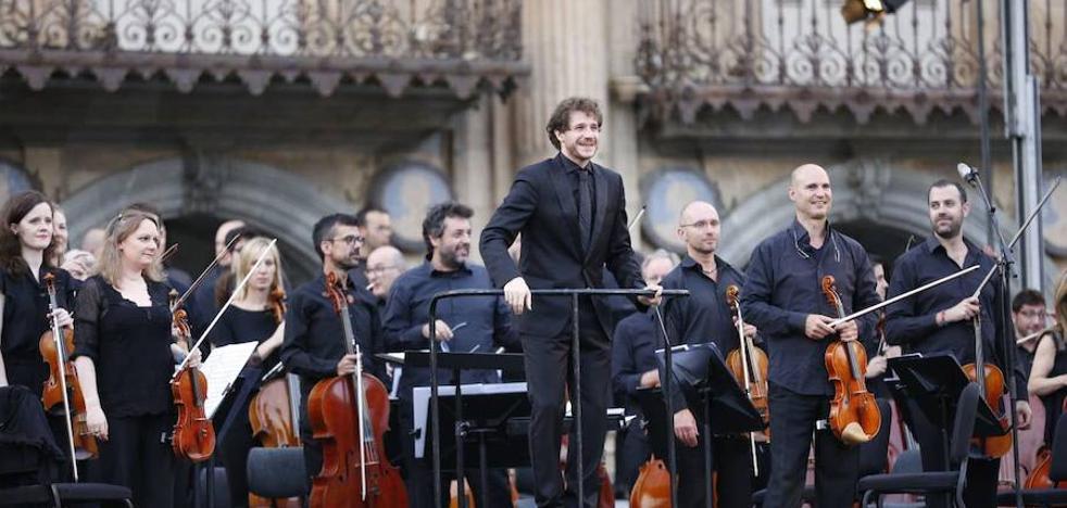 La Orquesta Sinfónica de Castilla y León actúa mañana en la plaza de la Catedral de Zamora