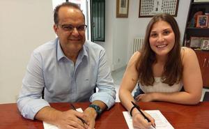 Ángela Nieto seguirá en el Aula