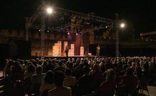 Olmedo Clásico alza el telón con lleno total en el estreno de 'Las mujeres sabias'