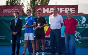 González-Ribera y Mérida-Petrov, campeones infantiles de España en dobles