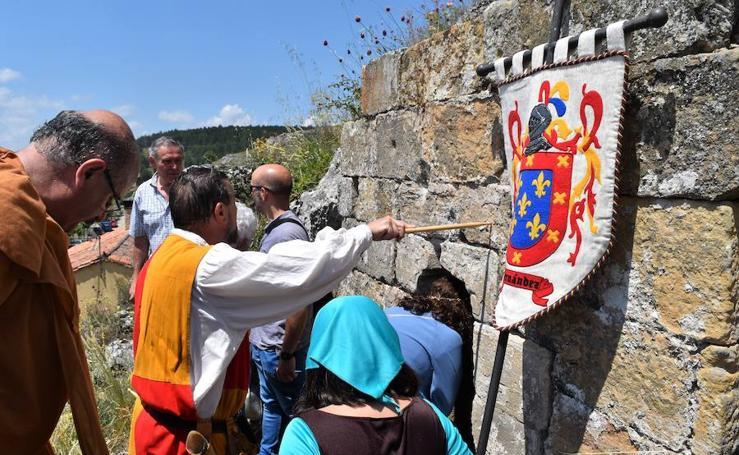 Aguilar rinde homenaje a Bernardo del Carpio
