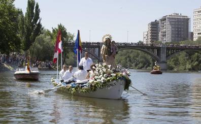 La Virgen del Carmen volverá a procesionar el domingo por las aguas del Pisuerga