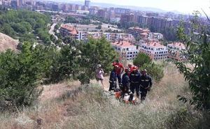 Rescatan a un ciclista de 52 años que se había caído por un terraplén en el parque de Las Contiendas
