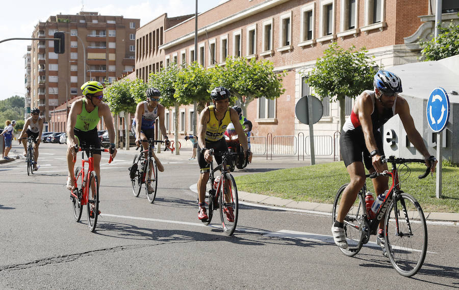 Superatletas en Palencia en la tierra y en el agua