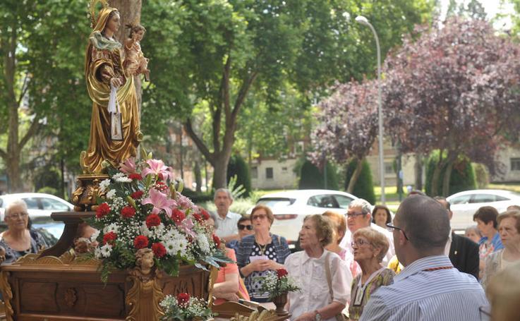 Procesión de la Virgen del Carmen en Las Delicias (Valladolid)