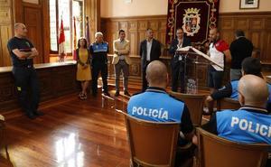 Dos policías y siete bomberos se incorporan a la plantilla de Palencia