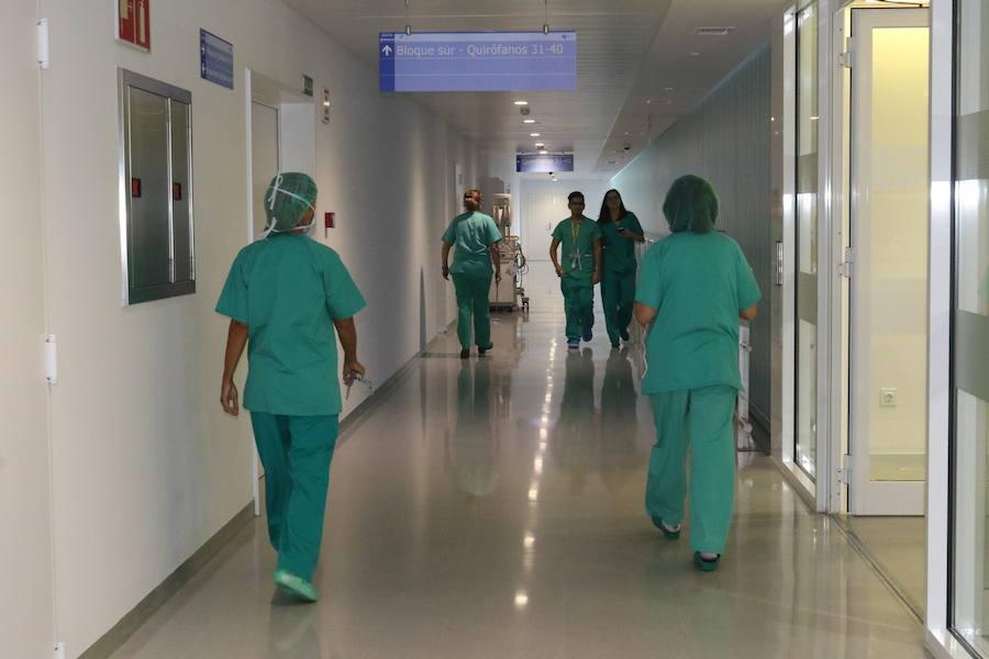 71 médicos de la comunidad piden en solo seis meses el certificado para trabajar en el extranjero