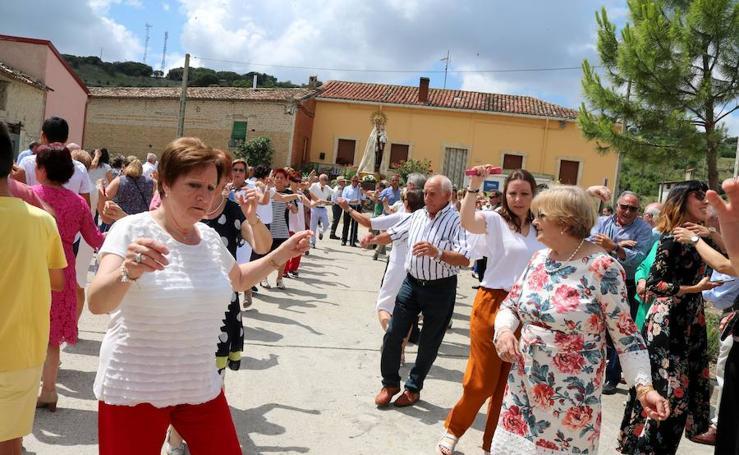 Cevico Navero danza a la Virgen del Carmen