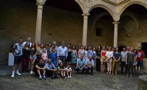 Treinta alumnos se acercan a las tradiciones con la Escuela de Folklore