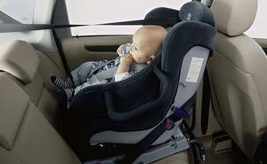 Sancionan a un conductor que llevaba en su vehículo a una menor en brazos de su madre en Valladolid