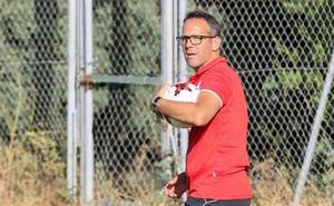 Etxeberria: «Ya he empezado a hablar con algunos entrenadores para el banquillo de Unionistas»