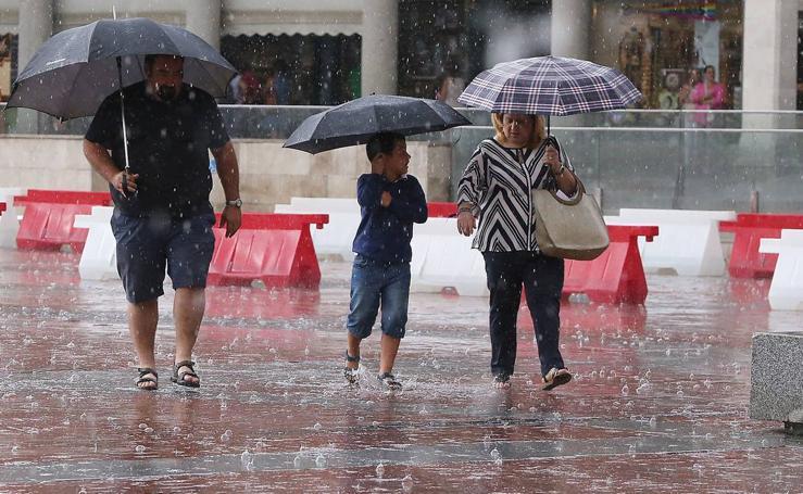 Una tormenta inesperada sorprende a los vallisoletanos