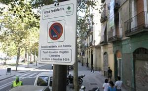 Anulan una multa a una conductora en Barcelona porque la señal estaba solo en catalán