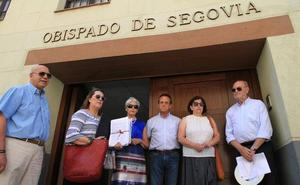 Vecinos de El Espinar trasladarán al Vaticano su malestar por el traslado del párroco tras 31 años