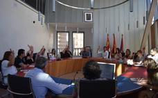 El pleno hace efectiva la cesión de tres solares a la Consejería de Educación
