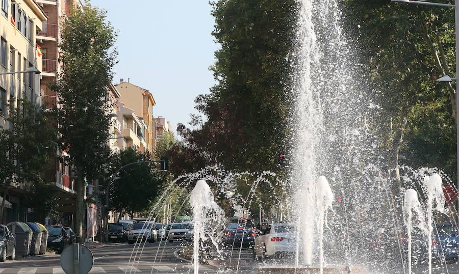El conductor de un camión se fuga tras chocar con un turismo estacionado en Conde Sepúlveda