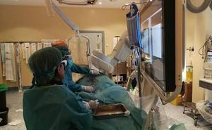 Las enfermeras del Hospital de Salamanca llevan a las Cortes sus reivindicaciones