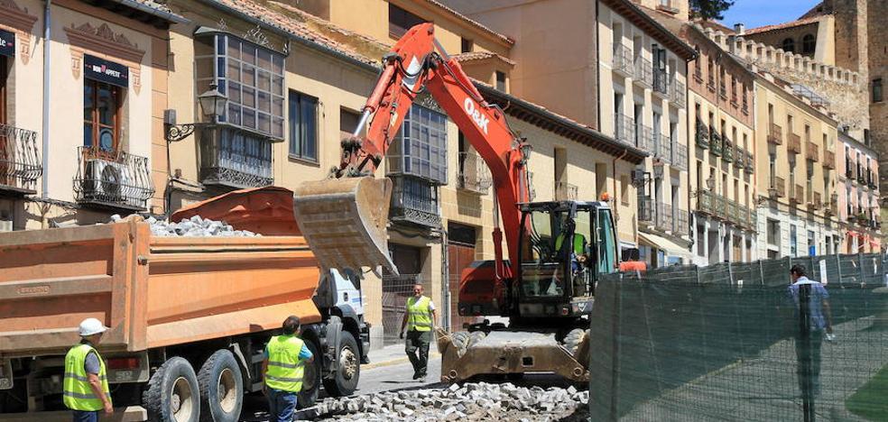 El Ayuntamiento invertirá 30.000 euros más en las obras de San Juan
