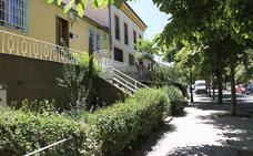 Un turismo choca contra un árbol en la carretera de Valdevilla