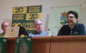 Boris Rozas recibe en Tábara el Premio León Felipe