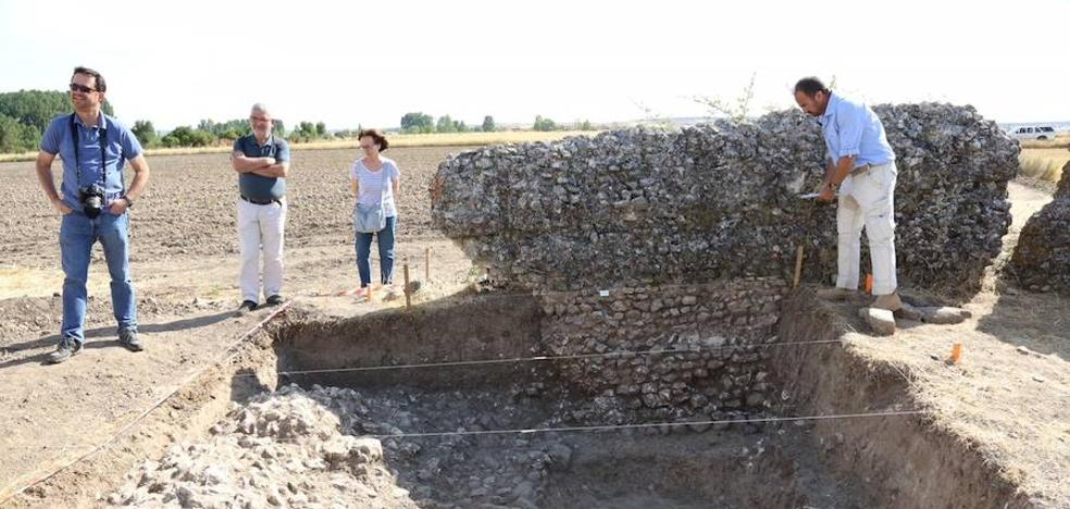 Comienzan las excavaciones en las termas del sur del yacimiento de Confloenta