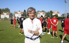 El nuevo entrenador de Unionistas, Roberto Aguirre, conoce a la plantilla