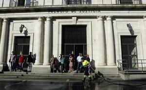 El Tribunal Supremo rebaja seis meses la condena al abogado de Valladolid que estafó 700.000 euros a un anciano
