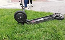 Un turismo arrolla a una joven en patinete eléctrico que se saltó un semáforo en rojo en Valladolid