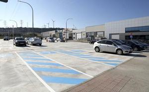 El polígono de San Antolín ofrece 200 plazas en una nueva zona de aparcamiento