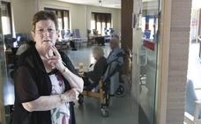 La Asociación de Familiares de Enfermos de Alzheimer y la pintora Isabel Villar, propuestas para las Medallas de Oro de la ciudad