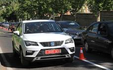Las calles de Segovia estrenan en España el coche que habla con los semáforos