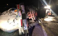 Herido el conductor de un camión en un accidente en Arroyo de la Encomienda