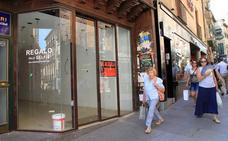 Rentas de hasta 5.000 euros acortan la vida de los negocios en la Calle Real