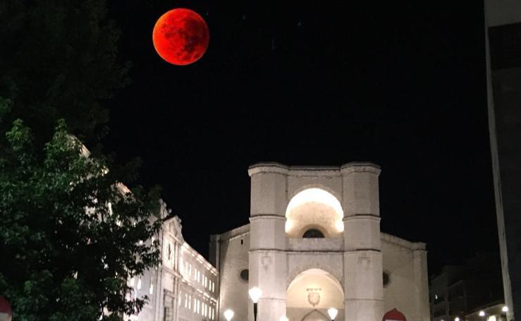 Las fotos del eclipse de luna de nuestros lectores