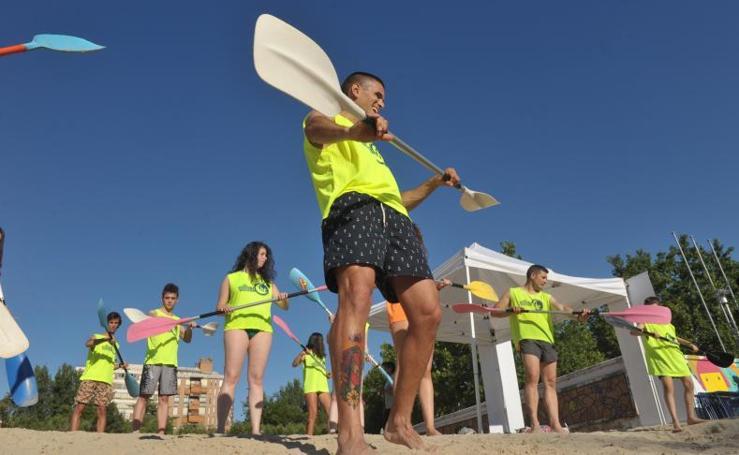 2.000 jóvenes participan en las actividades deportivas de 'Vallanoche', en las Moreras